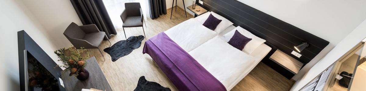 Hotel K99 und Hotel Trezor cover
